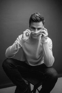 """Специалист по фотопозированию. Профессиональный фотограф, автор блог """"Позируй без позёрства"""" - Станислав Миронов"""