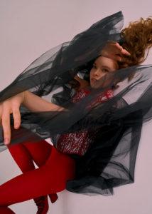 Журнал VMODE Magazine editorial Red Hot фотограф Станислав Миронов, продюсер Мария Сакварелидзе, стиль Николай Головин. Stanislav Mironov photographer