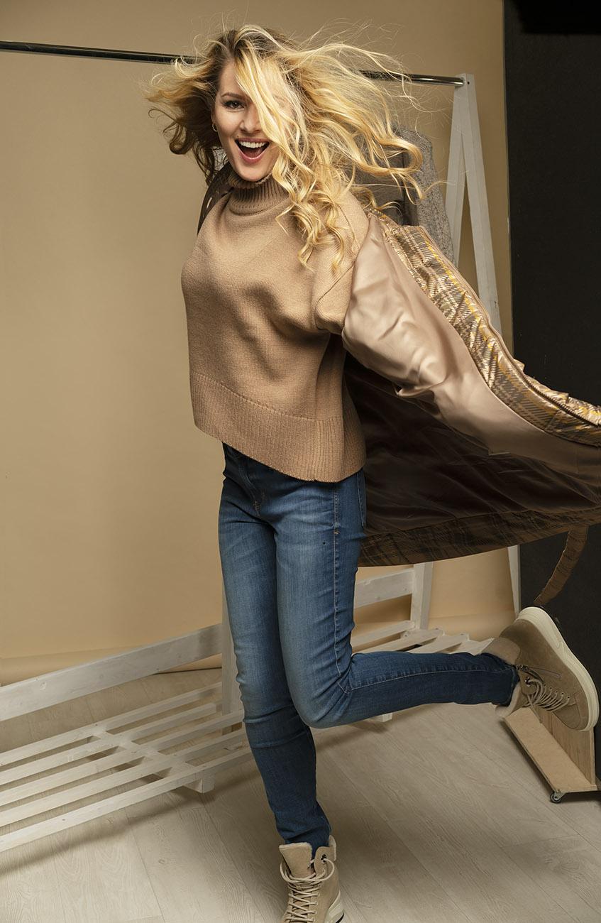 Актриса Мария Кожевникова. Журнал в моде / VMODE. Фотограф Станислав Миронов
