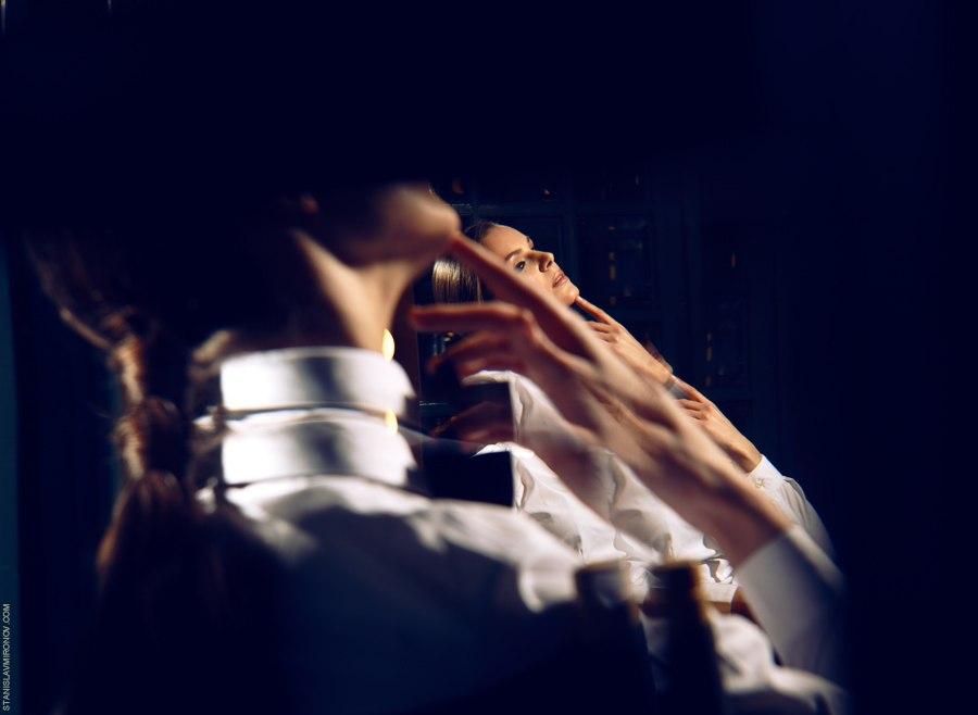 портрет с отражениями в стекле. Калейдоскоп. Фотограф Станислав Миронов